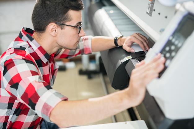 Plotter de impressão: o que é e qual a melhor opção para o seu negócio