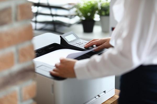 Não desligue a impressora repentinamente